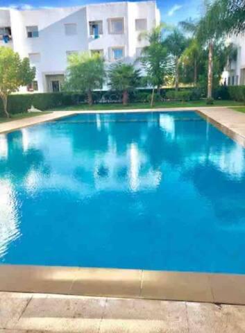 appart avec piscine proche de la mer