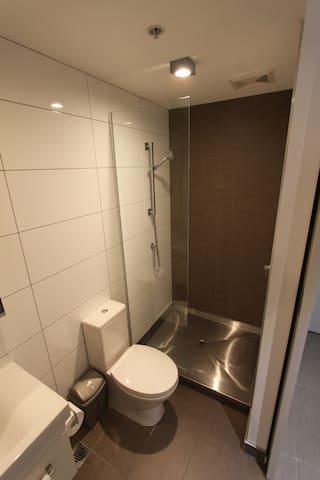 Bathroom - spacious shower