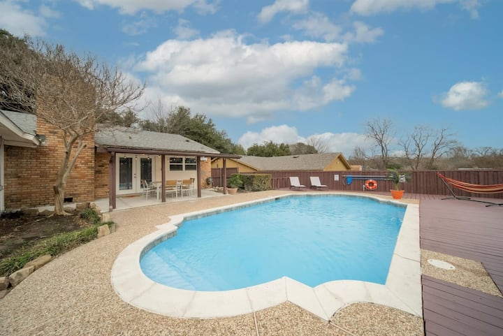 Open Space Home for Family/Groups with Privat Pool