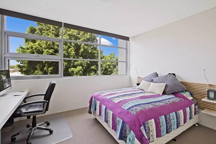 Beautiful bedroom in alexandria.