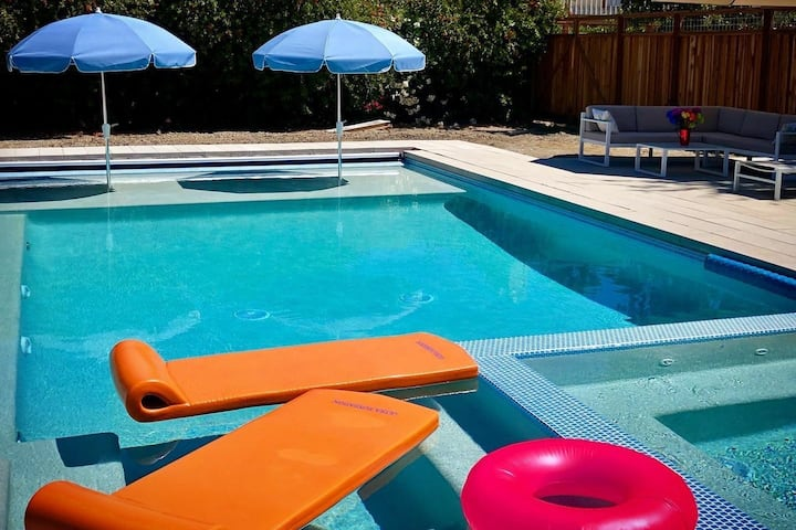 Quiet Mid Century Sonoma with Pool