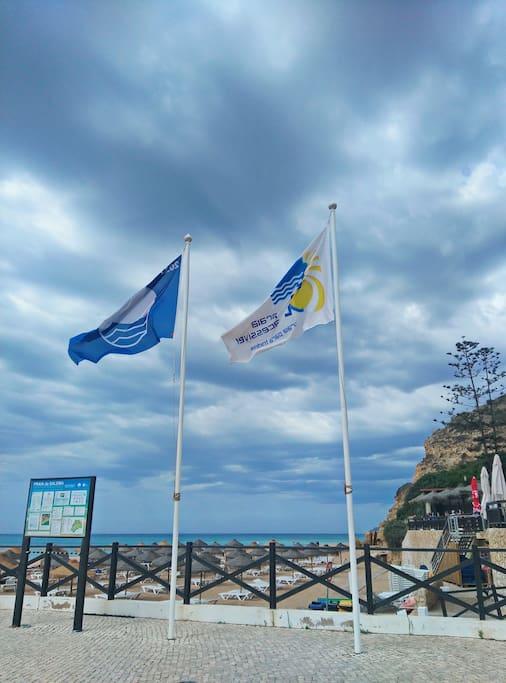 Salema, praia com bandeira azul
