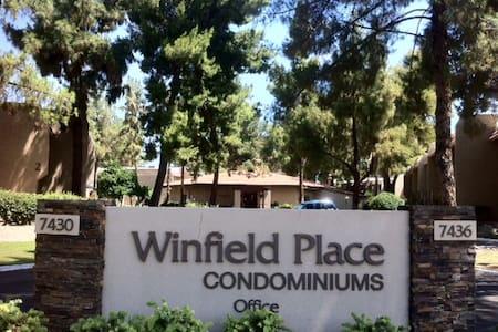 Mike's Scottsdale Private Room - Συγκρότημα κατοικιών