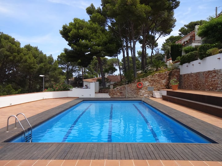 2Begur Sa Tuna-Costa Brava-Room 2 bed.Shared house
