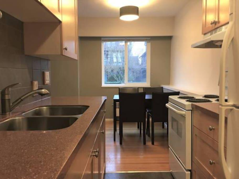dream vacation wohnungen zur miete in vancouver british columbia kanada. Black Bedroom Furniture Sets. Home Design Ideas