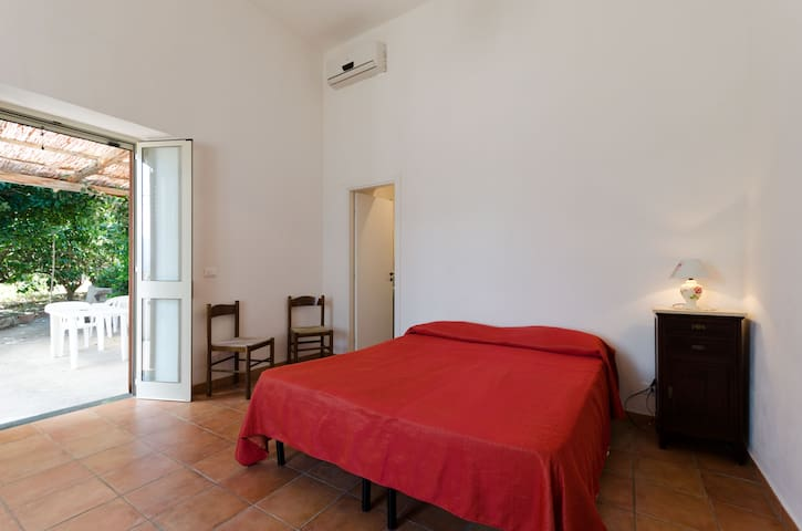 Appartamenti a Salina - Sposi - Santa Marina Salina - Apartamento