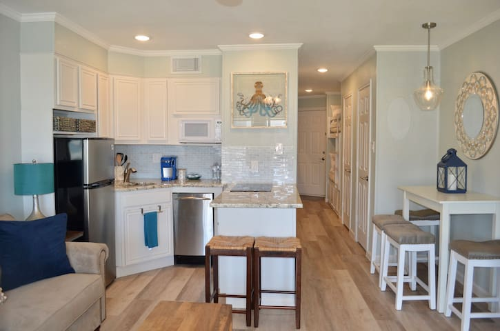 NEWLY Renovated Amazing Location Ocean View Condo!