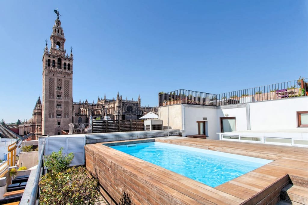 Great loft swimming pool wifi lofts for rent in seville - Swimming pool seville ...