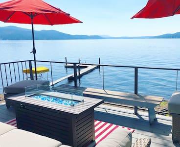 CDA Lakefront Cabin w/Epic views & Boat rental