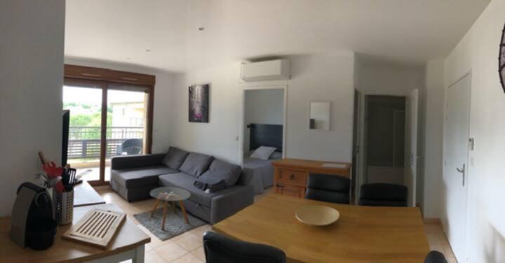 Uzes, Appartement avec vue duché et piscine