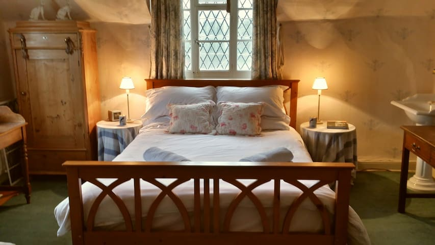 2 Large double bedrooms, 1 ensuite. - Dorsington - Bed & Breakfast