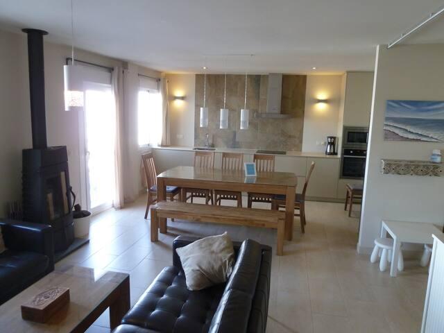 Tolles Haus mit Terrasse für 6 Per. free WiFi - Conil de la Frontera - Rumah