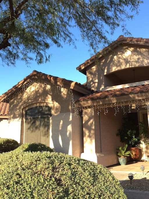 In a quiet, family oriented neighborhood ideally located to explore North Phoenix/Scottsdale and beyond.
