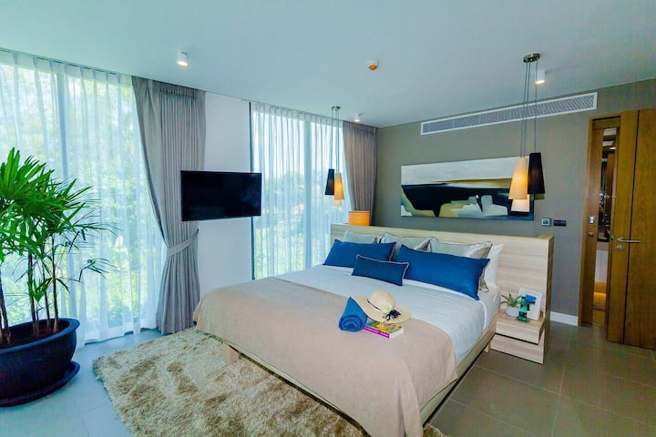 Ocean Stone Luxury 2 bedroom Apartment.
