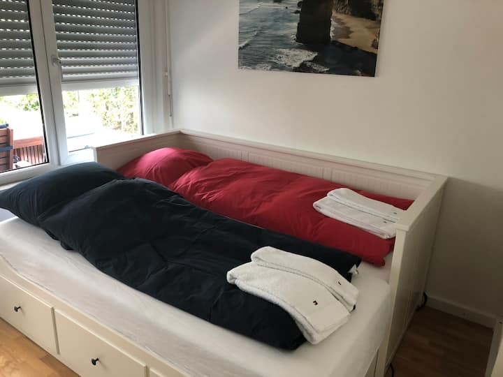 Guest room, 2 stops from Messe