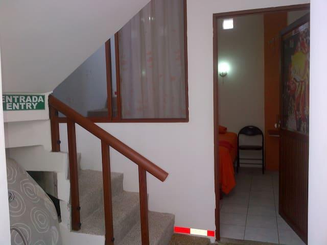 Sun Island Hostel - Isabela - Dom