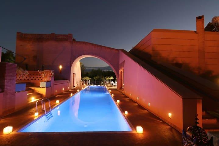 Jolyamelkis villa / golf marrakech