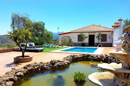 Beautiful villa near Marbella - Guaro - 别墅