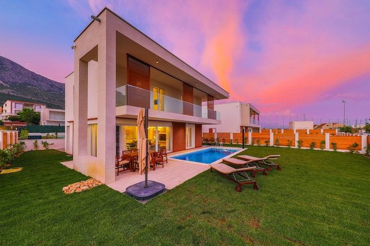 Luxury villa INGRID with heated pool EOS-CROATIA