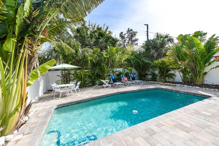 My Island Paradise - Three Bedroom Villa, Sleeps 6