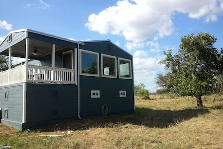 Flying H River Cabin - San Saba