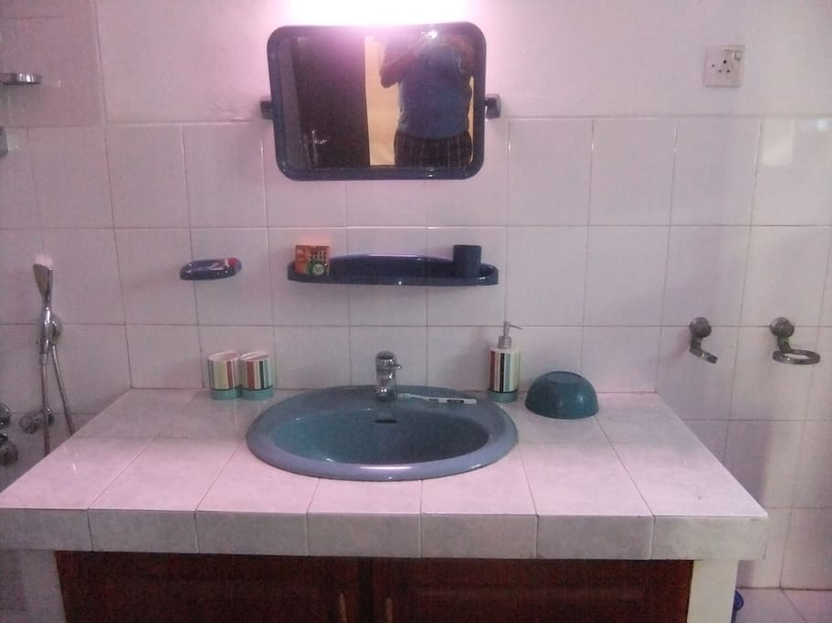 Master bath with hot water
