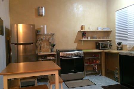 1 Bedroom Near 5th & Mammitas  - Playa del Carmen - Appartement