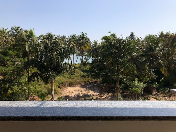 RIVER FACING 2BHK FLAT NEARBY BEACH & 5star Hotels