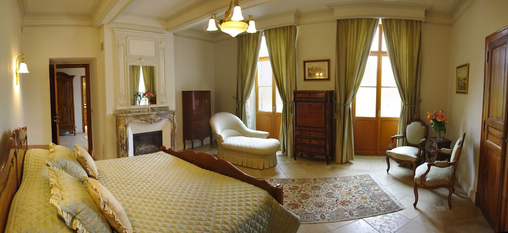Luxury Suite in B&B in Limoux - Limoux - Bed & Breakfast