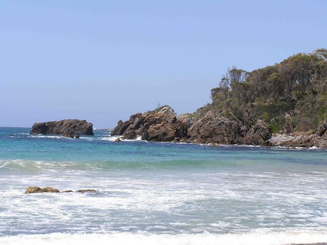 Mystery Bay beach + many other beaches within walking distance