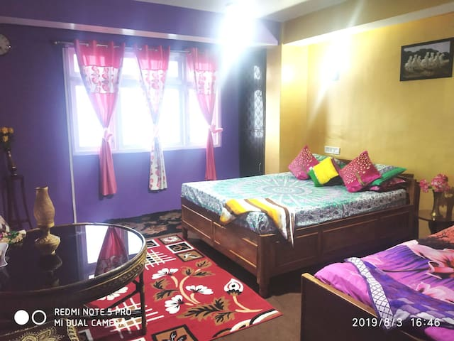Darjeeling Family apartment with Kanchenjunga View