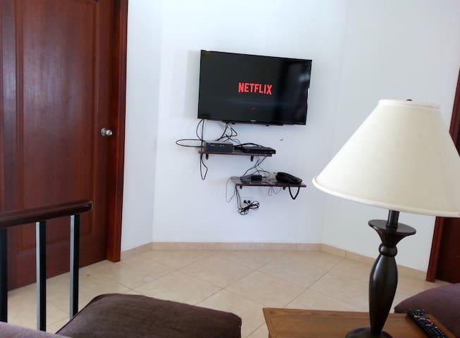 Family room, Smart TV wifi