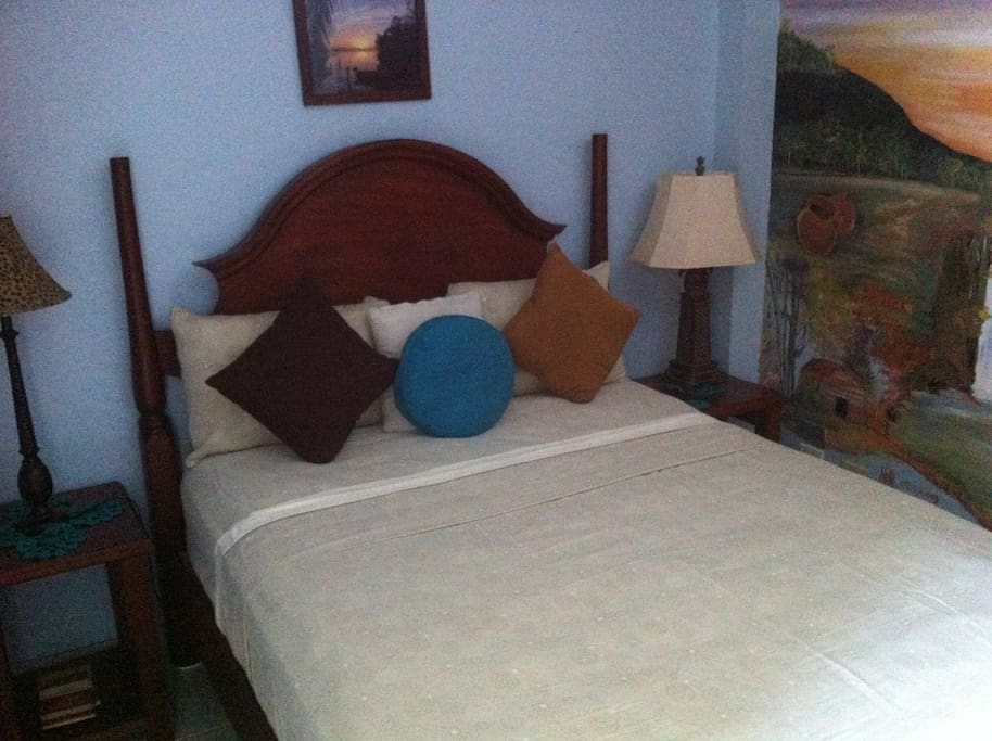 Queen size mattress, clean and comfortable!