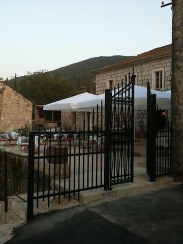 Konoba Koraceva Kuca - Gruda - Casa