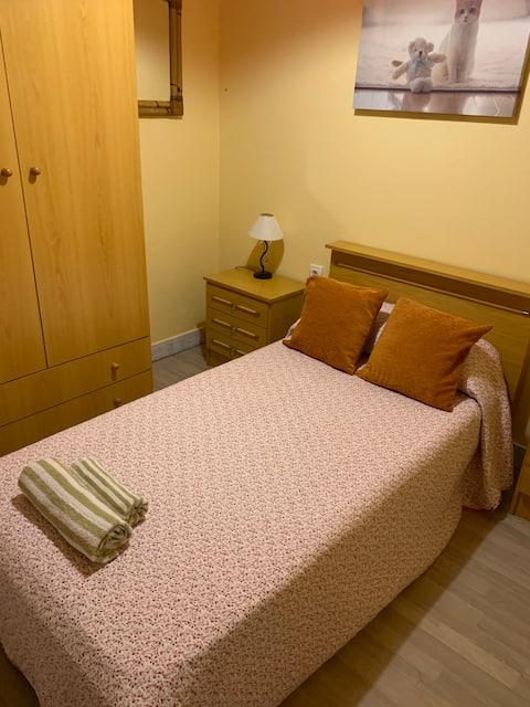 Habitación acogedora y limpia !