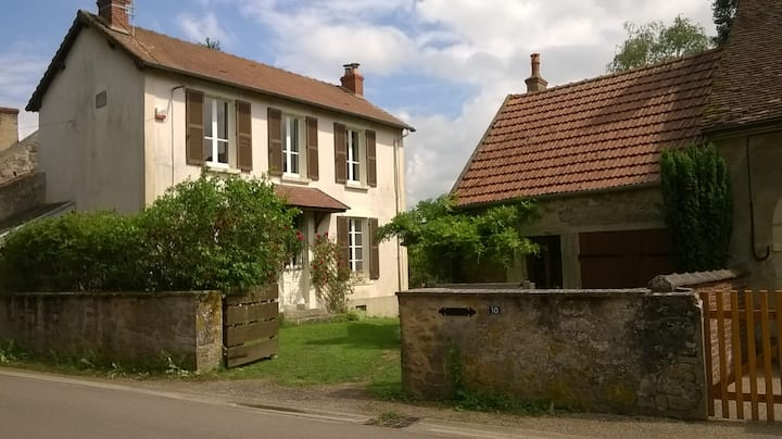 Gite non partagé avec terrain privé à Avallon