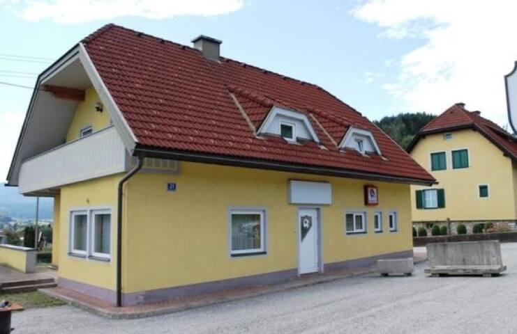 vollmöbelierte 55m² Wohnung - WLAN - Feldkirchen in Kärnten - Huis