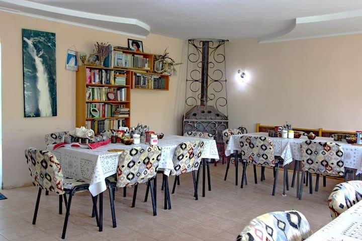 Tamga Guesthouse
