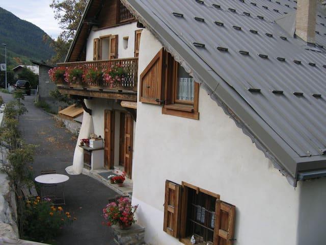 chambre d'hôte, maison avec sauna - Villar-Saint-Pancrace - Apartment