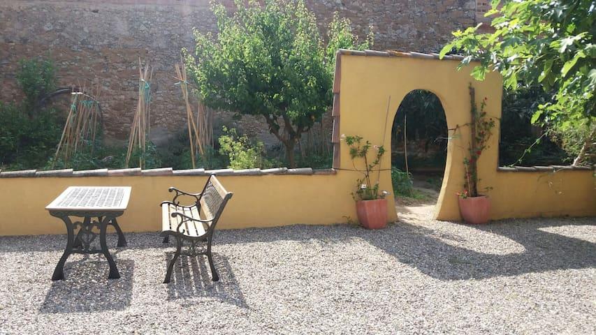 Casa amb jardí a 4km de las platges - Albons