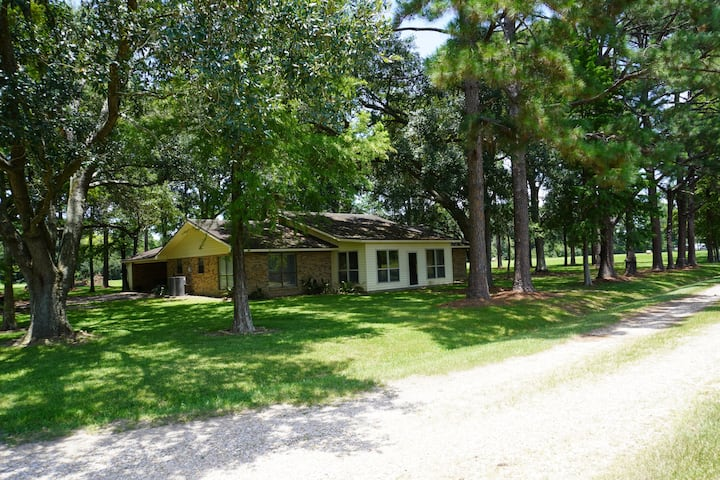 Beautiful country retreat minutes from Lafayette