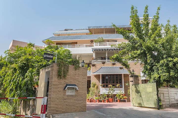 1 Room@ Giri Homestay Centrally located at Jaipur
