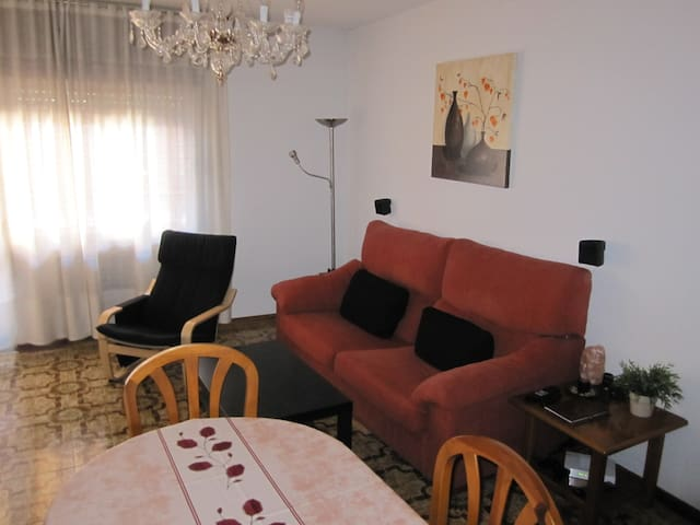 Quiet and spacious room - Torrejón de Ardoz - Apartamento