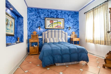 B&B in Fantastic City Center Villa - Almuñécar