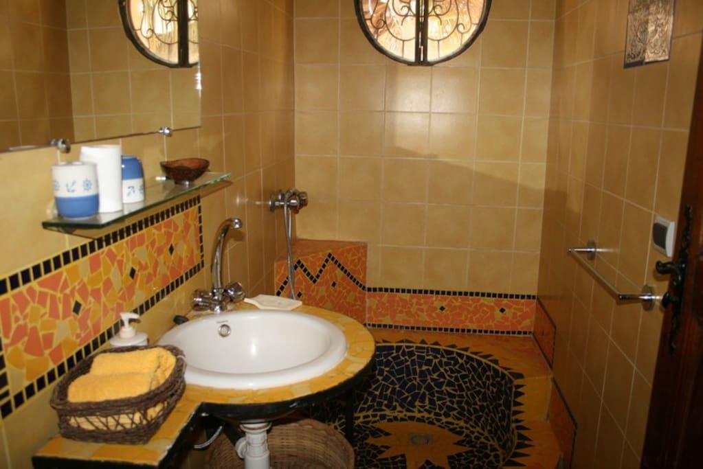 vue sur le jardin pensione in affitto a dakar dakar senegal. Black Bedroom Furniture Sets. Home Design Ideas