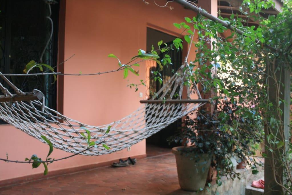 Vue sur le jardin guesthouses louer dakar dakar for Le jardin dakar