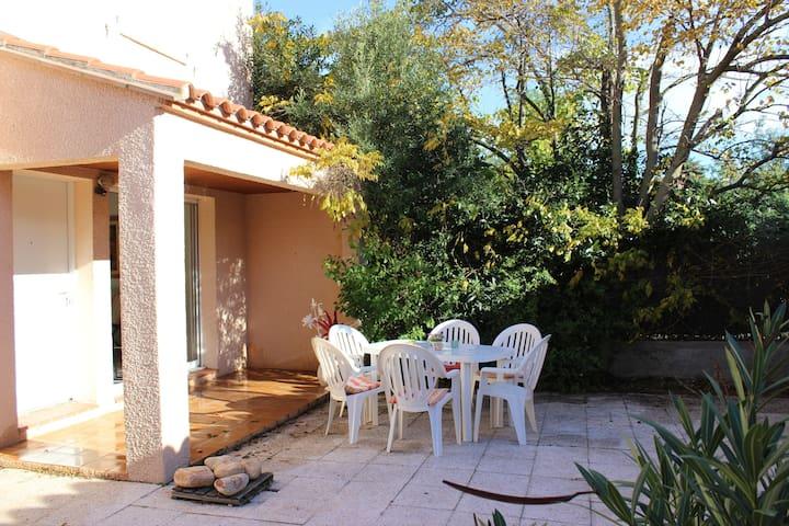 VILLA CALME PROCHE DE LA MER  - Canet-en-Roussillon - Bed & Breakfast