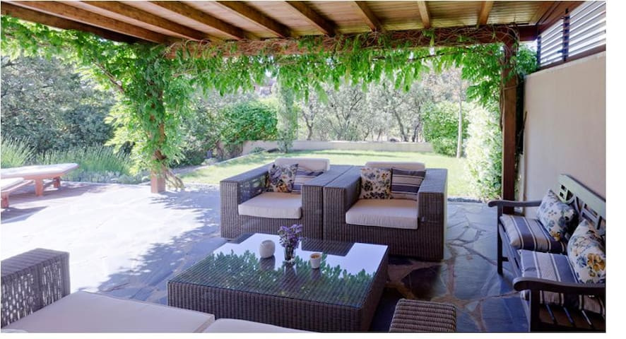 Luxury villa in Madrid Sierra - Torrelodones - House