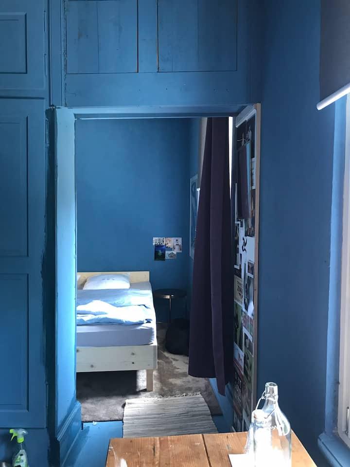 cosy arty room/ übernachten kunst/ kultur