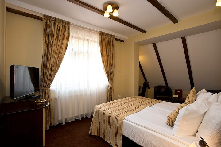 Elegant double room @ Ambient B&B